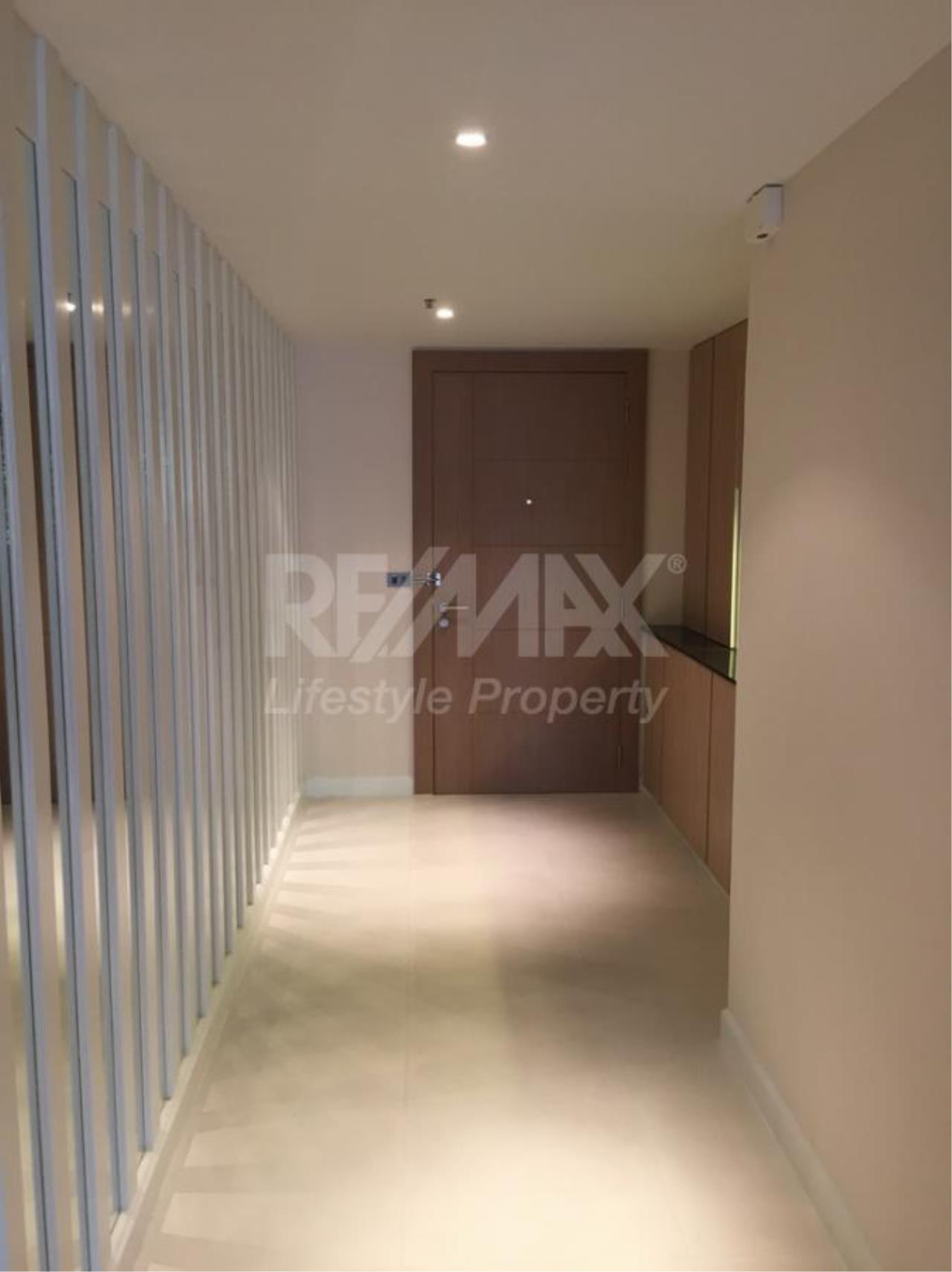 RE/MAX LifeStyle Property Agency's Icon III 4