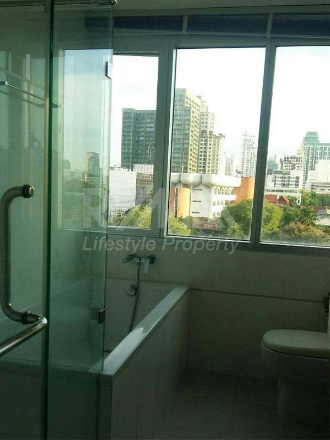 RE/MAX LifeStyle Property Agency's Thru Thonglor 10