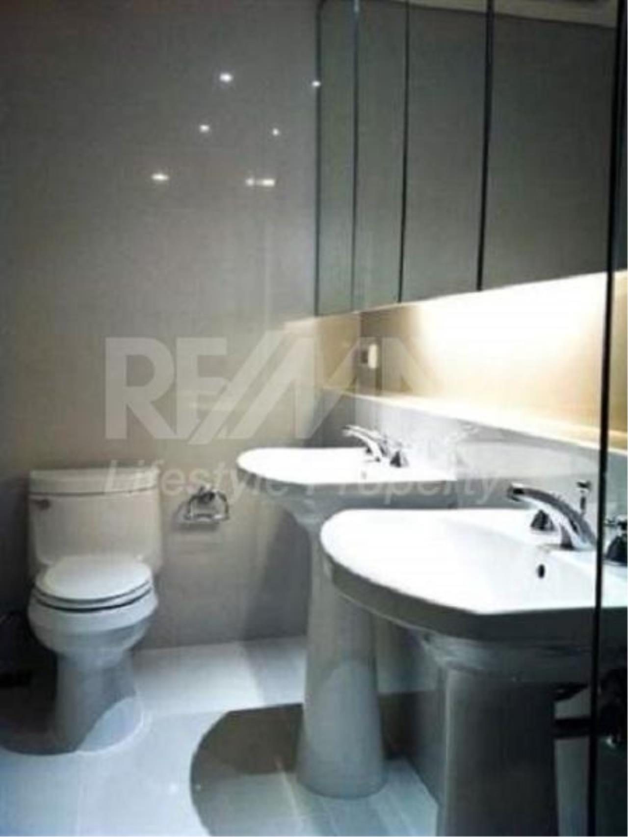 RE/MAX LifeStyle Property Agency's Aguston Sukhumvit 22 5