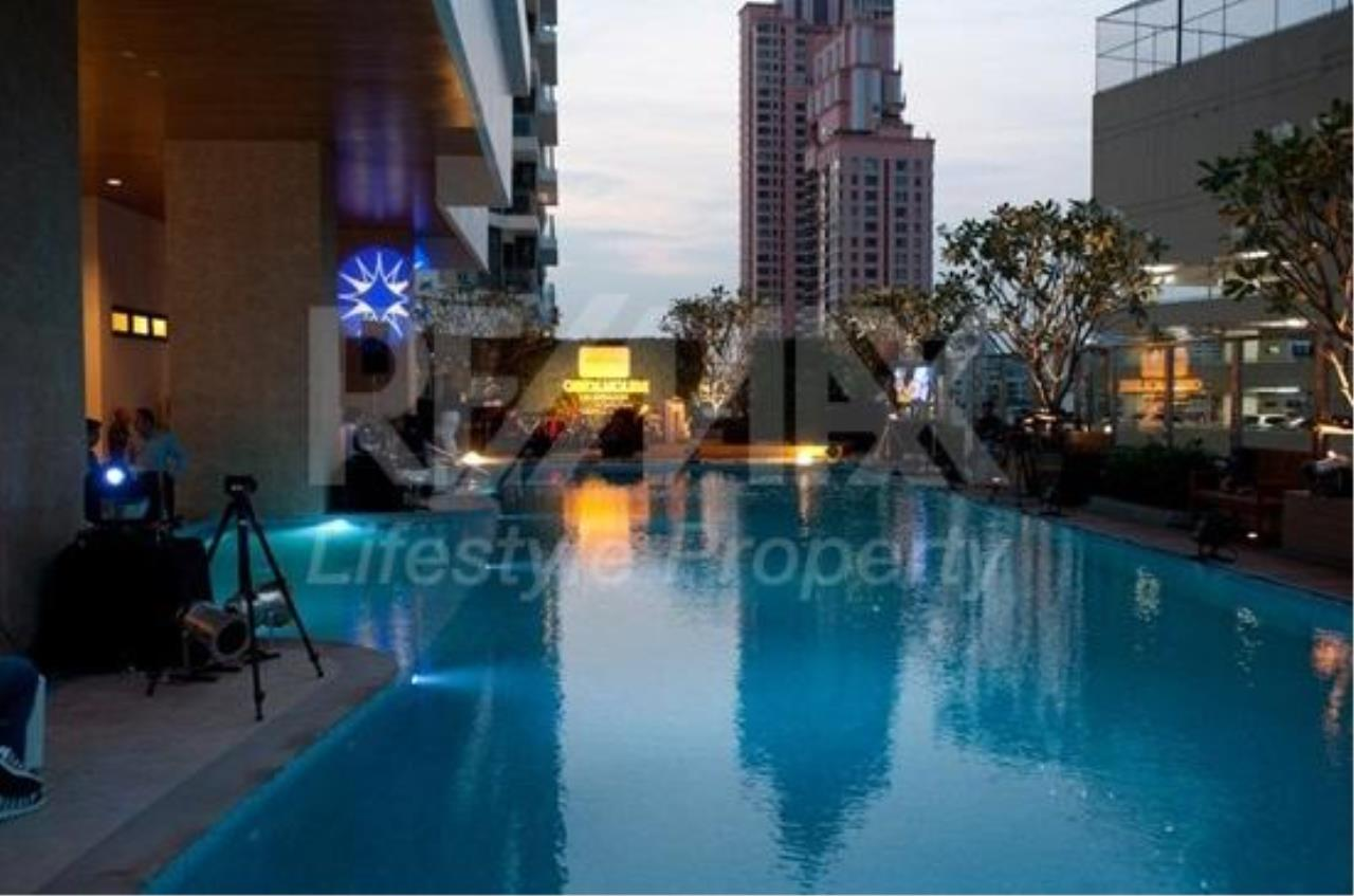 RE/MAX LifeStyle Property Agency's Bright Sukhumvit 24 3