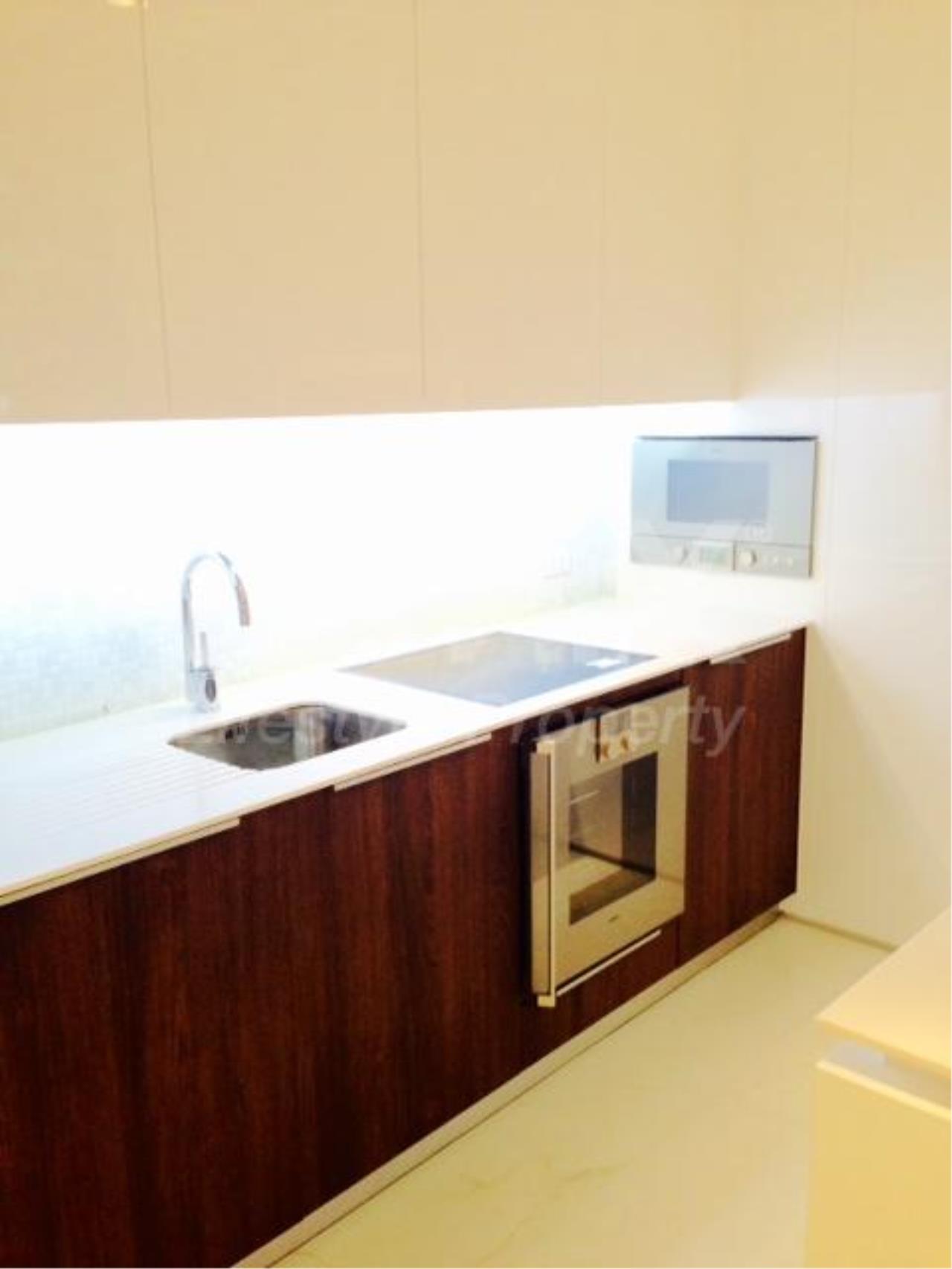RE/MAX LifeStyle Property Agency's 185 Rajadamri 4