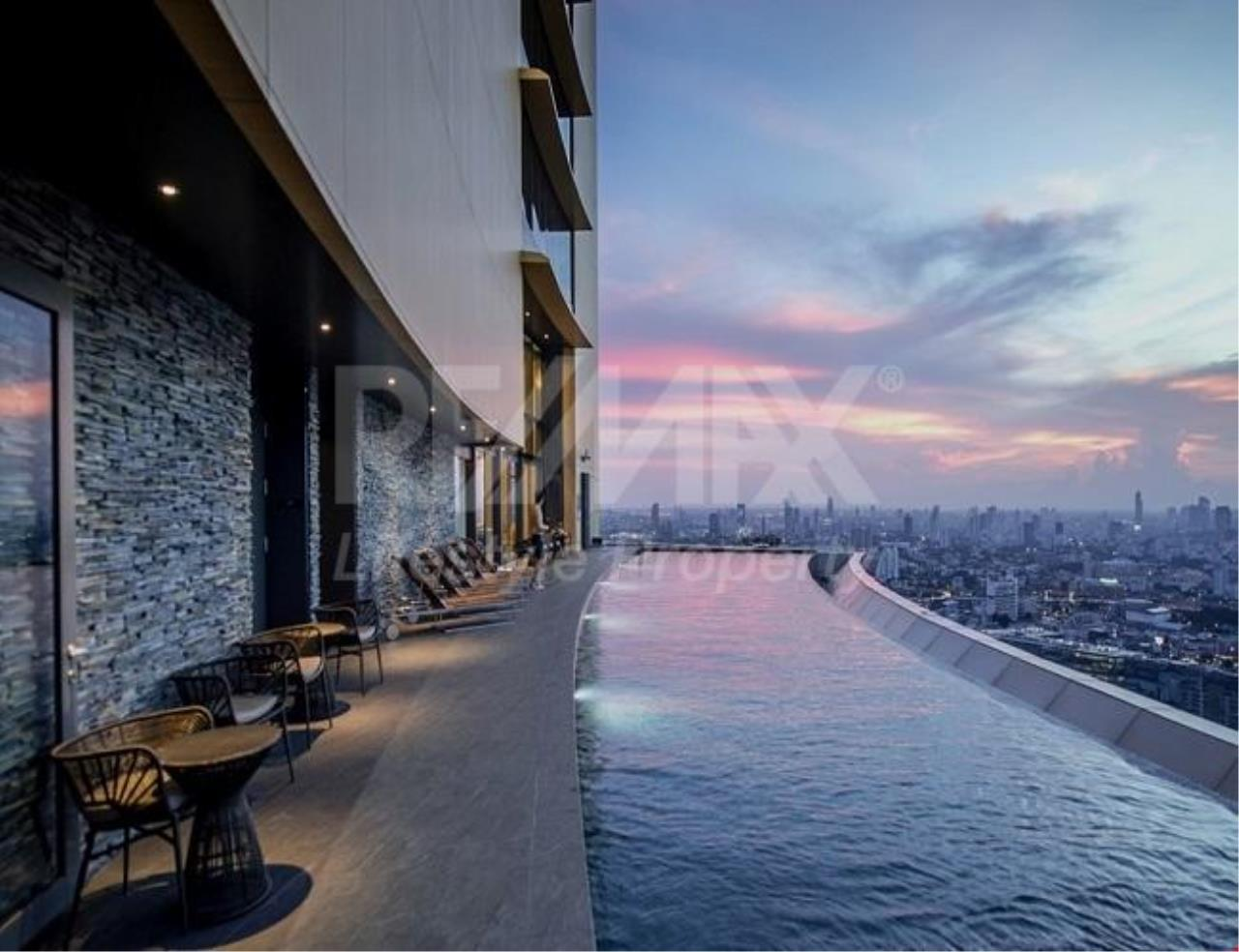 RE/MAX LifeStyle Property Agency's The Lumpini 24 7