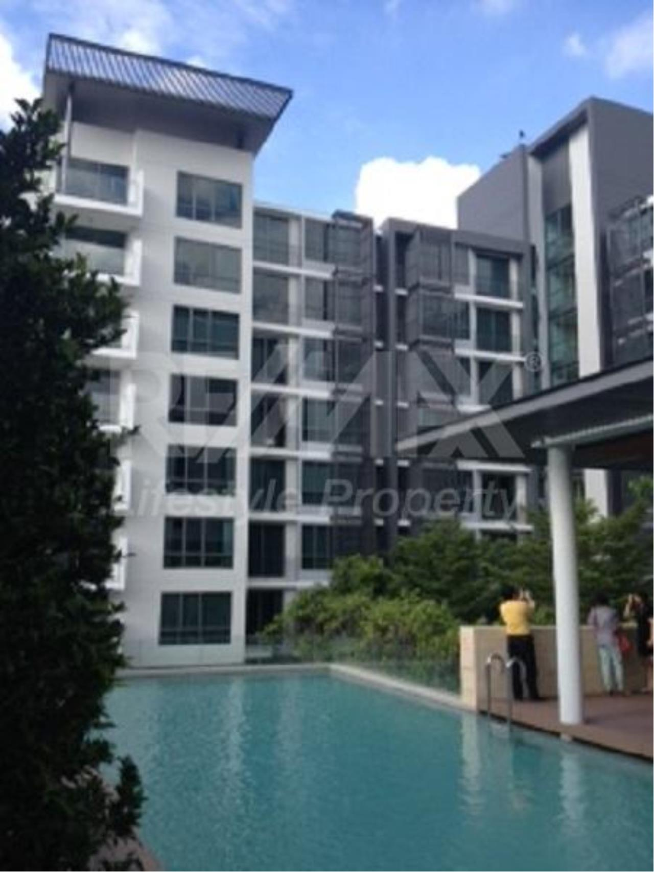 RE/MAX LifeStyle Property Agency's The Room Sukhumvit 40 10