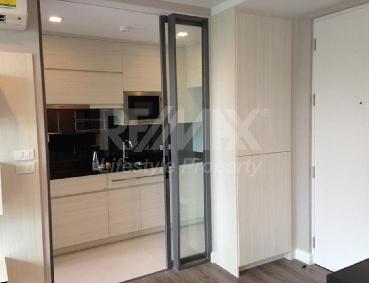 RE/MAX LifeStyle Property Agency's The Room Sukhumvit 40 7