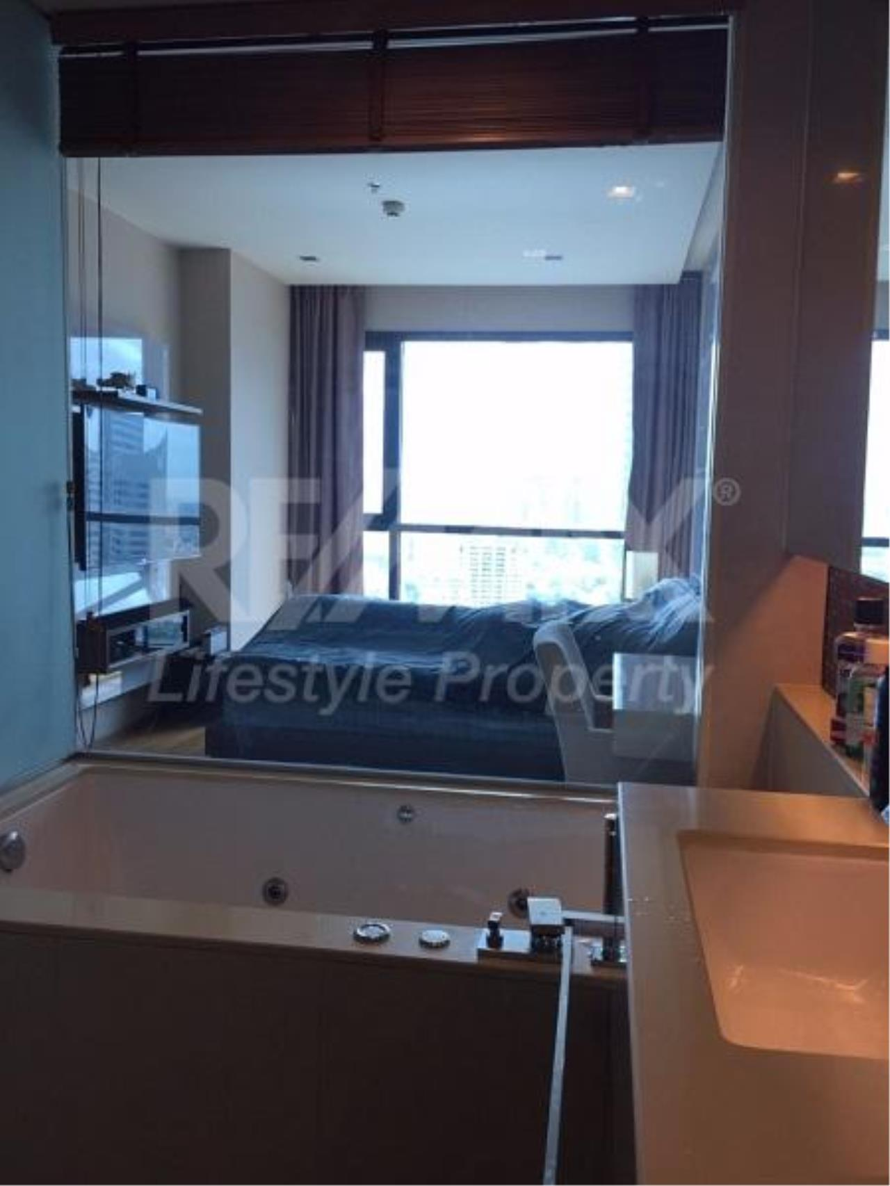 RE/MAX LifeStyle Property Agency's The Address Sathorn 11