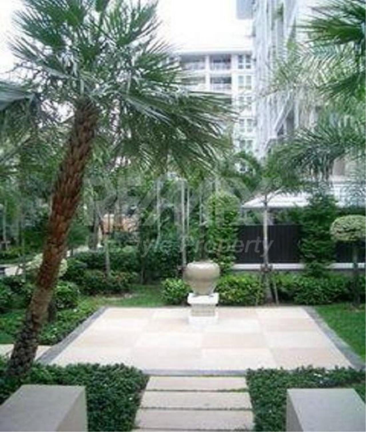 RE/MAX LifeStyle Property Agency's The Bangkok Narathiwas Ratchanakarint 2