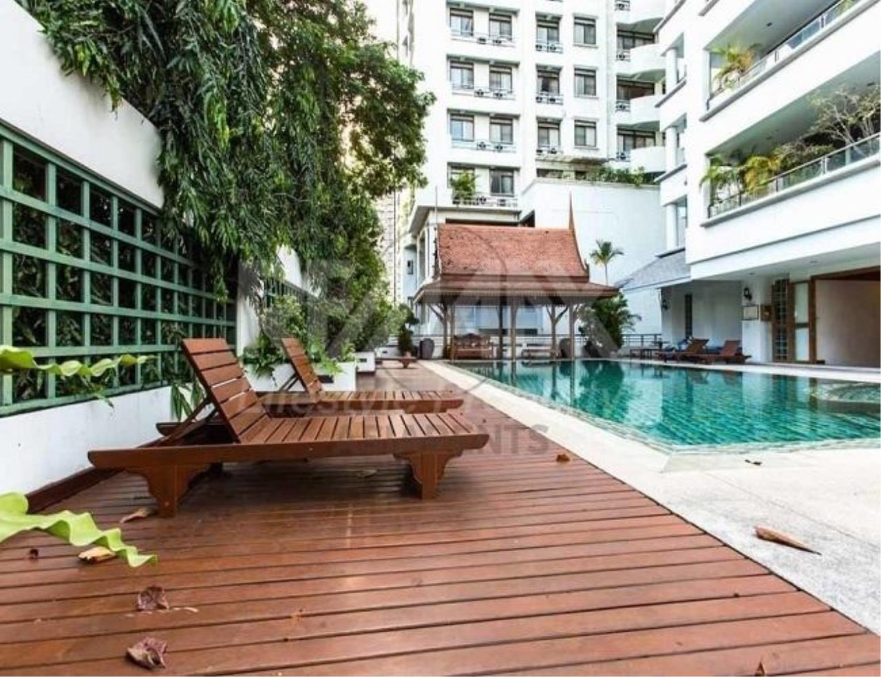 RE/MAX LifeStyle Property Agency's Suan Phinit Place 2