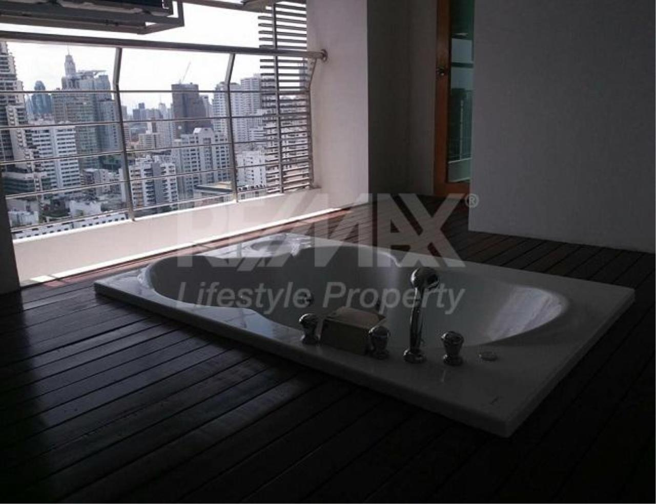 RE/MAX LifeStyle Property Agency's The Master Centrium Asoke-Sukhumvit 1