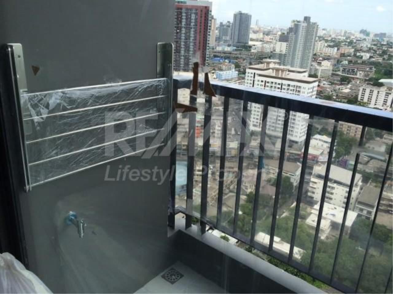 RE/MAX LifeStyle Property Agency's Rhythm Sukhumvit 44/1 5