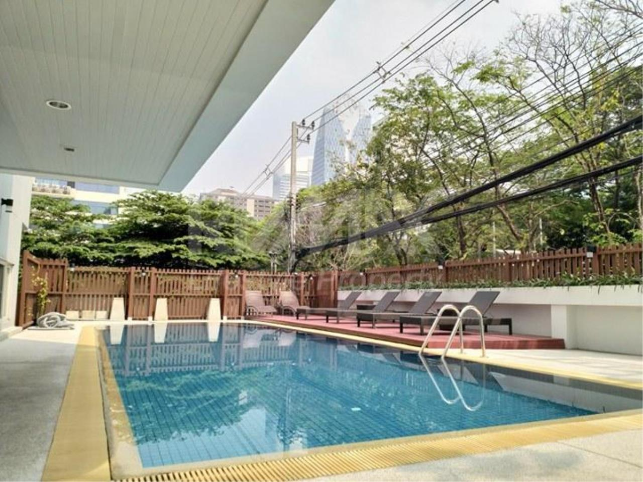 RE/MAX LifeStyle Property Agency's Tonson Court 13