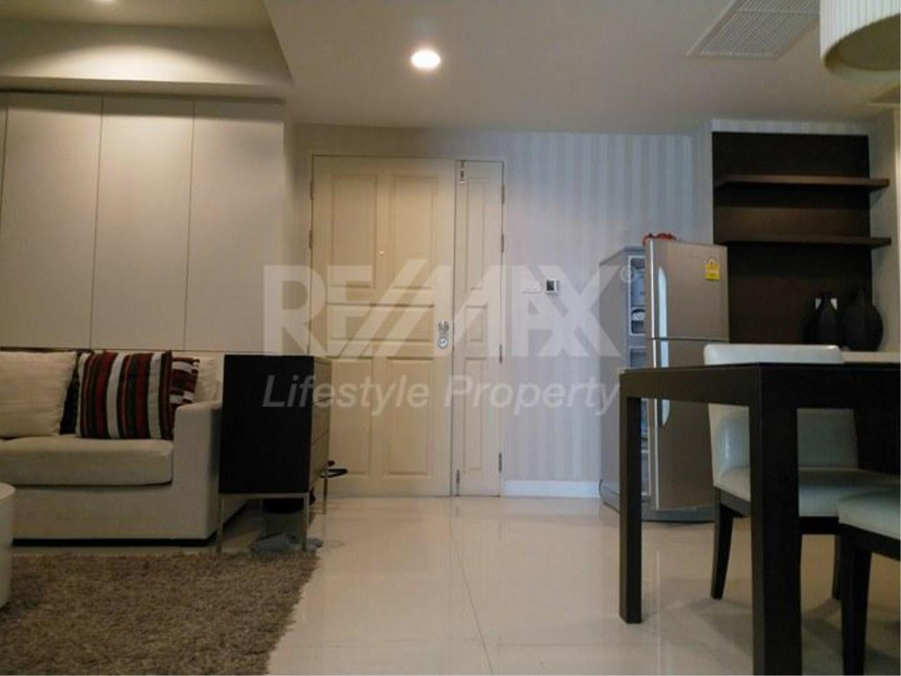RE/MAX LifeStyle Property Agency's Tonson Court 2