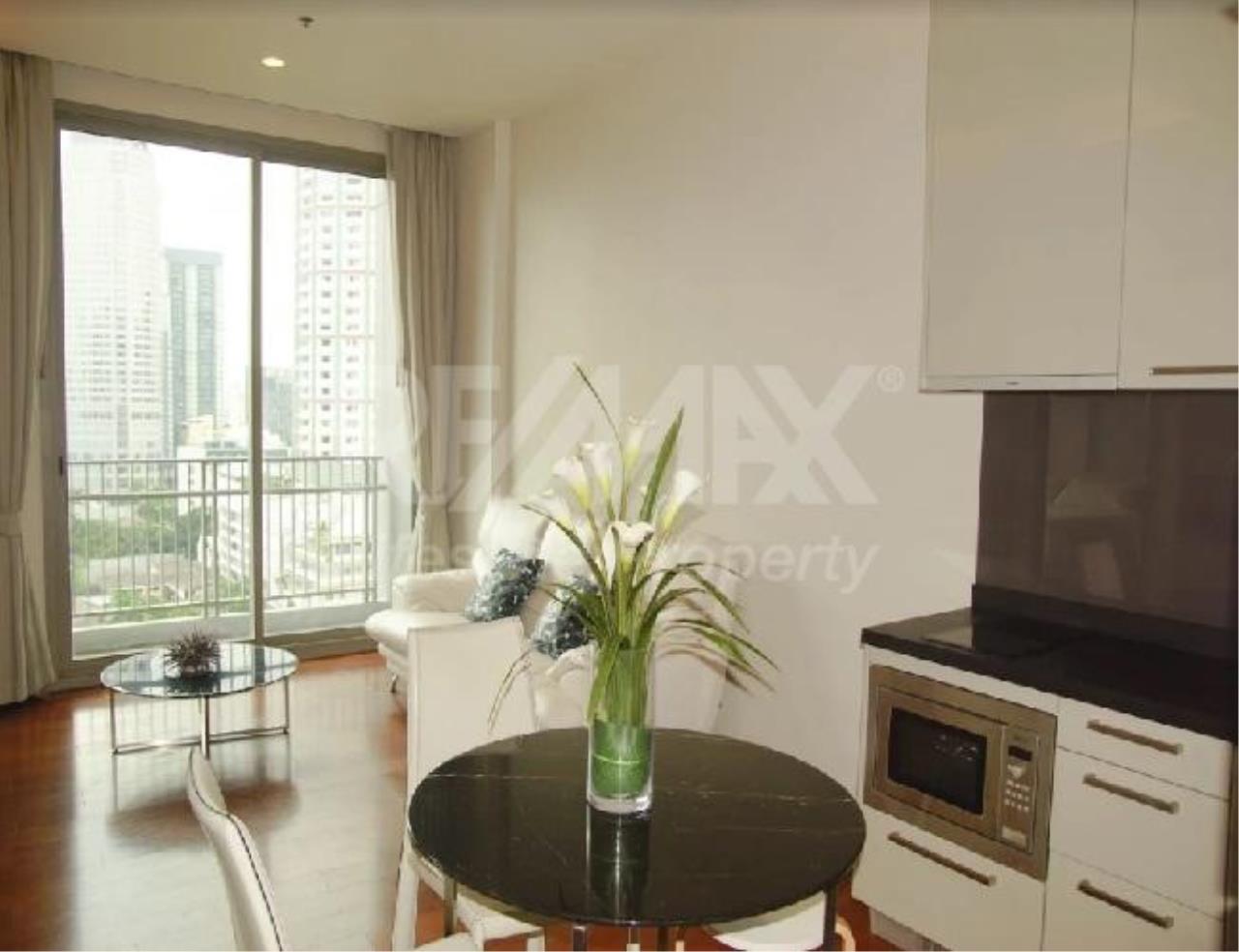 RE/MAX LifeStyle Property Agency's Quattro by Sansiri 11