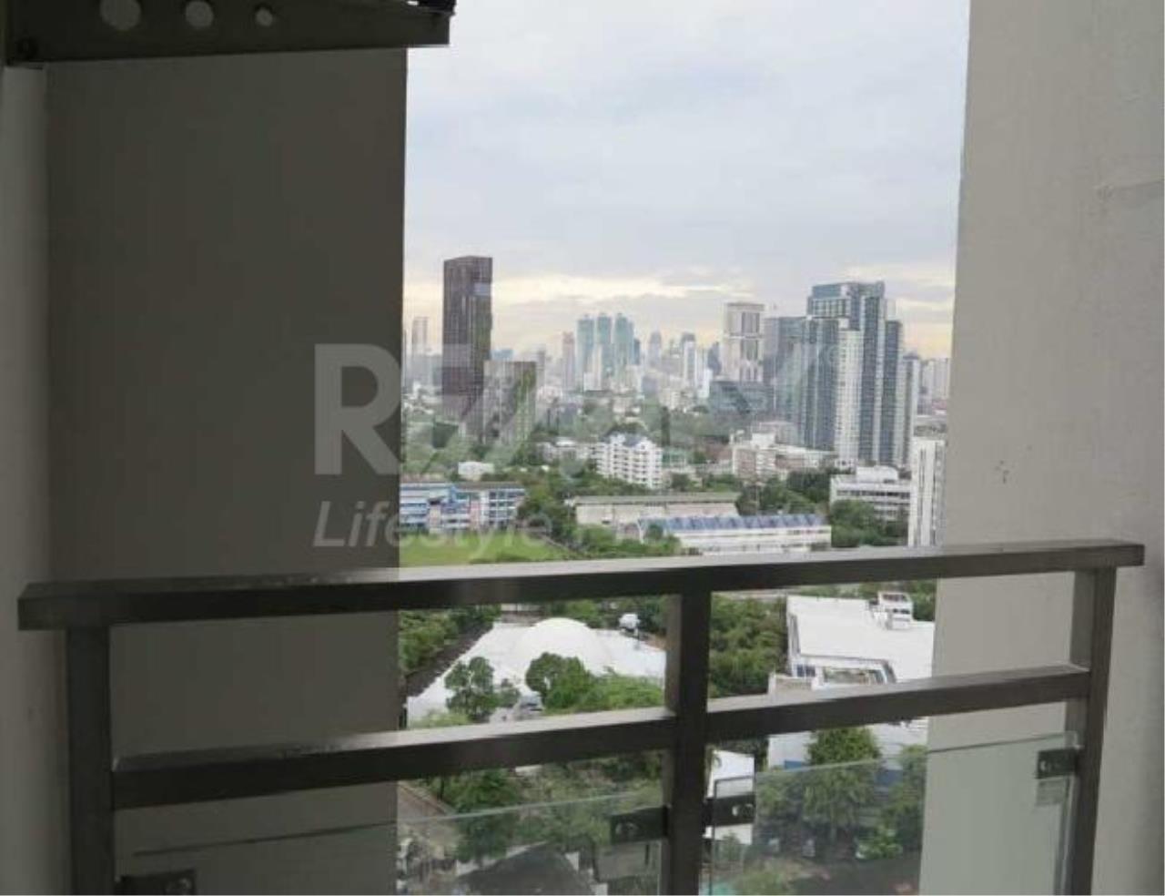 RE/MAX LifeStyle Property Agency's Nusasiri Grand 11