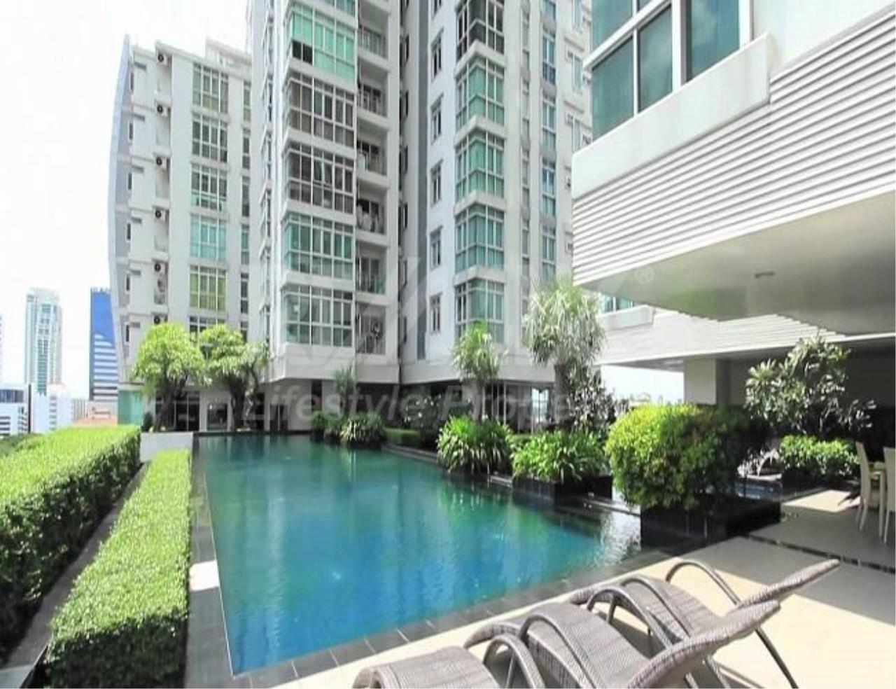 RE/MAX LifeStyle Property Agency's Nusasiri Grand 12