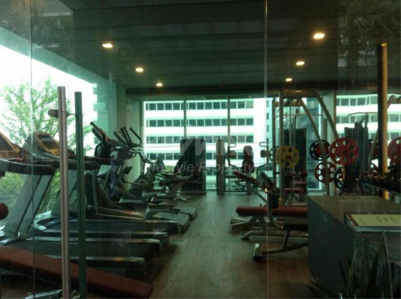 RE/MAX LifeStyle Property Agency's The Parkland Grand Asoke-Phetchaburi 2