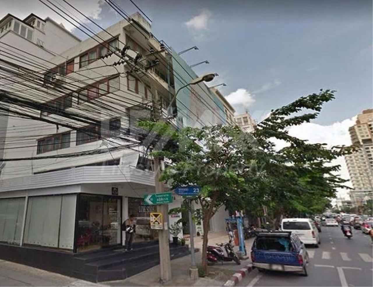 RE/MAX LifeStyle Property Agency's Commercial Building Thonglor 23 3