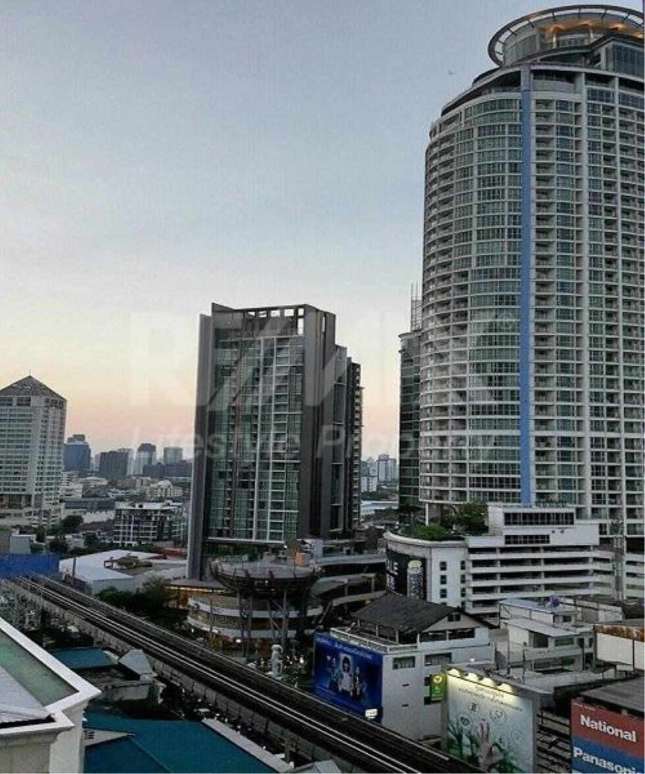 RE/MAX LifeStyle Property Agency's WYNE Sukhumvit 4
