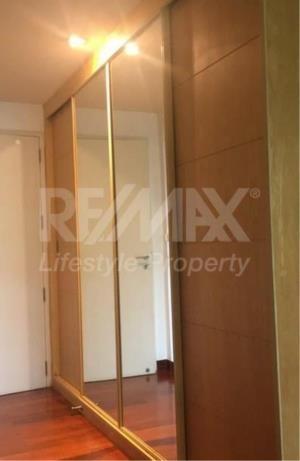 RE/MAX LifeStyle Property Agency's Urbana Sukhumvit 15 7