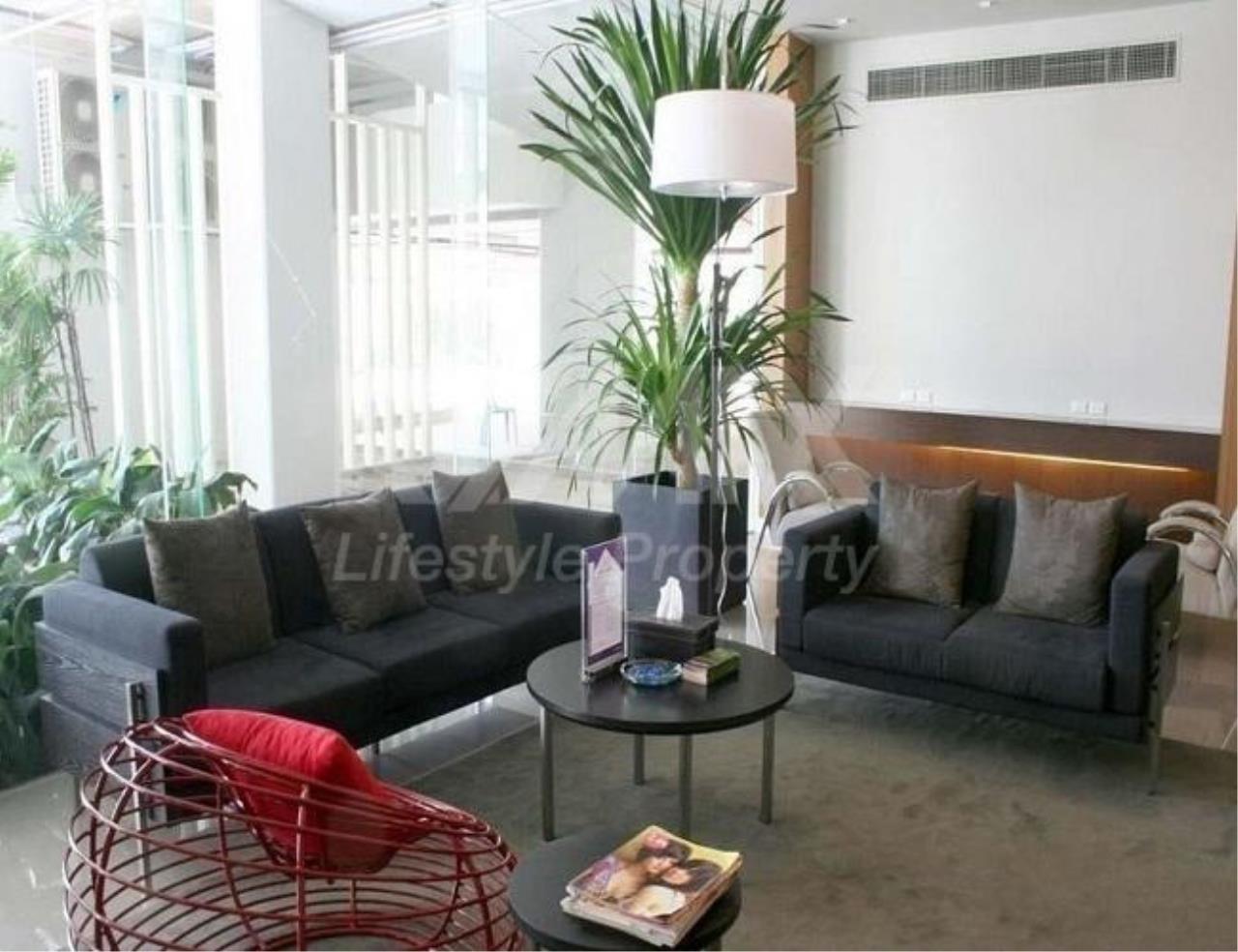 RE/MAX LifeStyle Property Agency's Condo One X Sukhumvit 26 5
