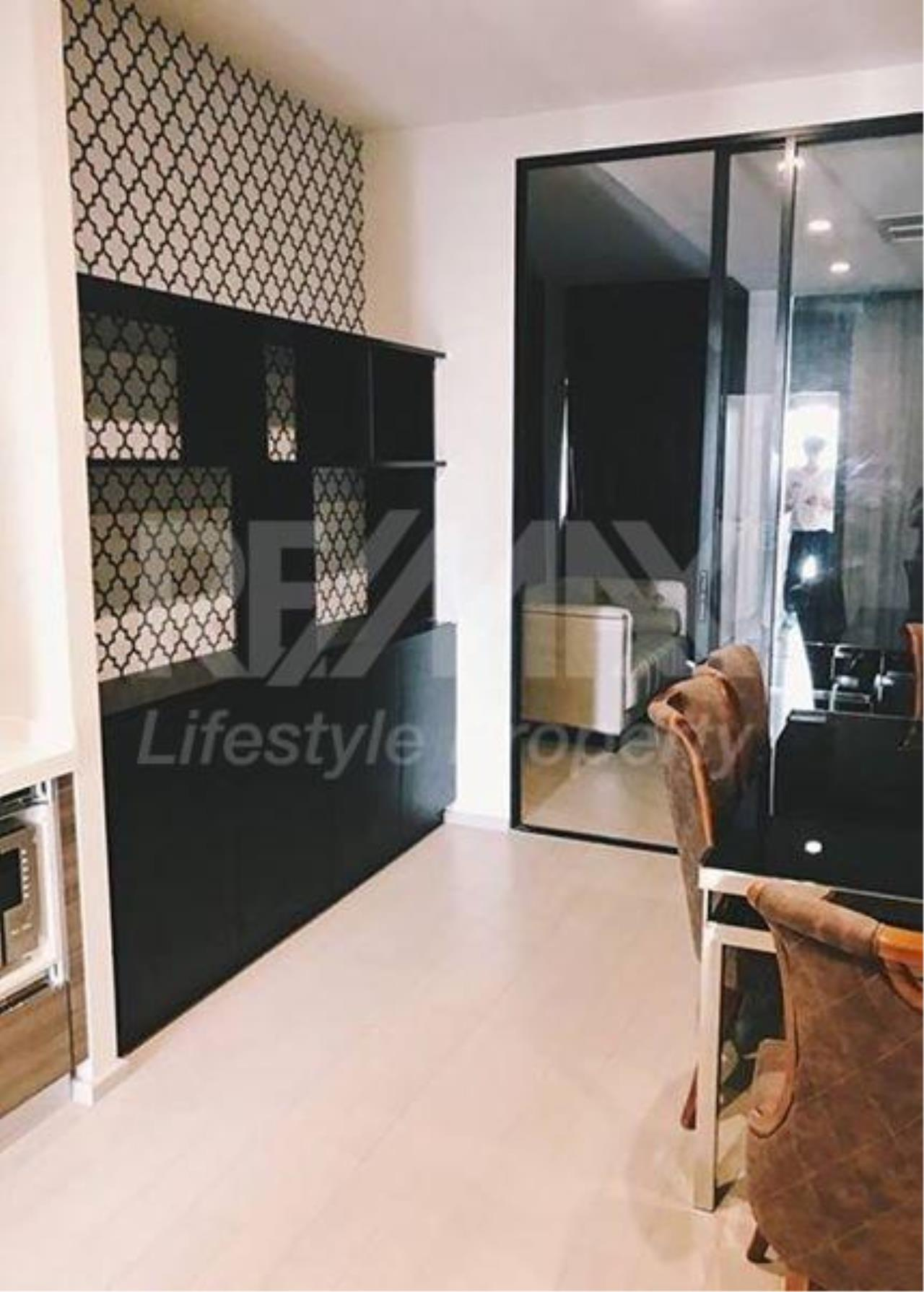 RE/MAX LifeStyle Property Agency's Noble Ploenchit 3