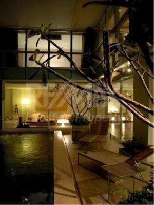 RE/MAX LifeStyle Property Agency's Le Raffine Jambunuda Sukhumvit 31 1