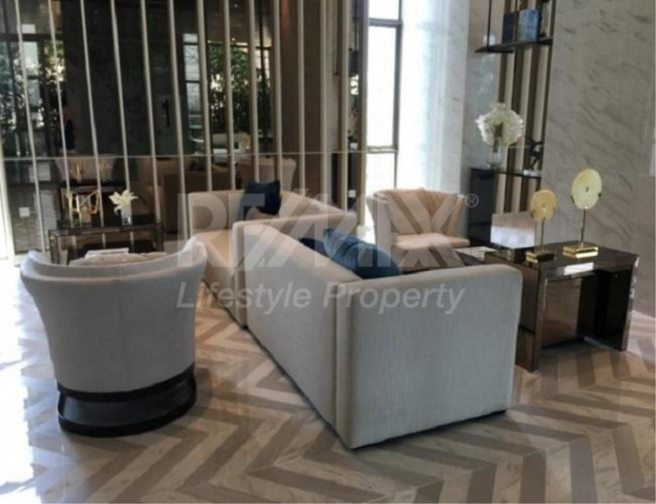 RE/MAX LifeStyle Property Agency's The Room Sukhumvit 69 6