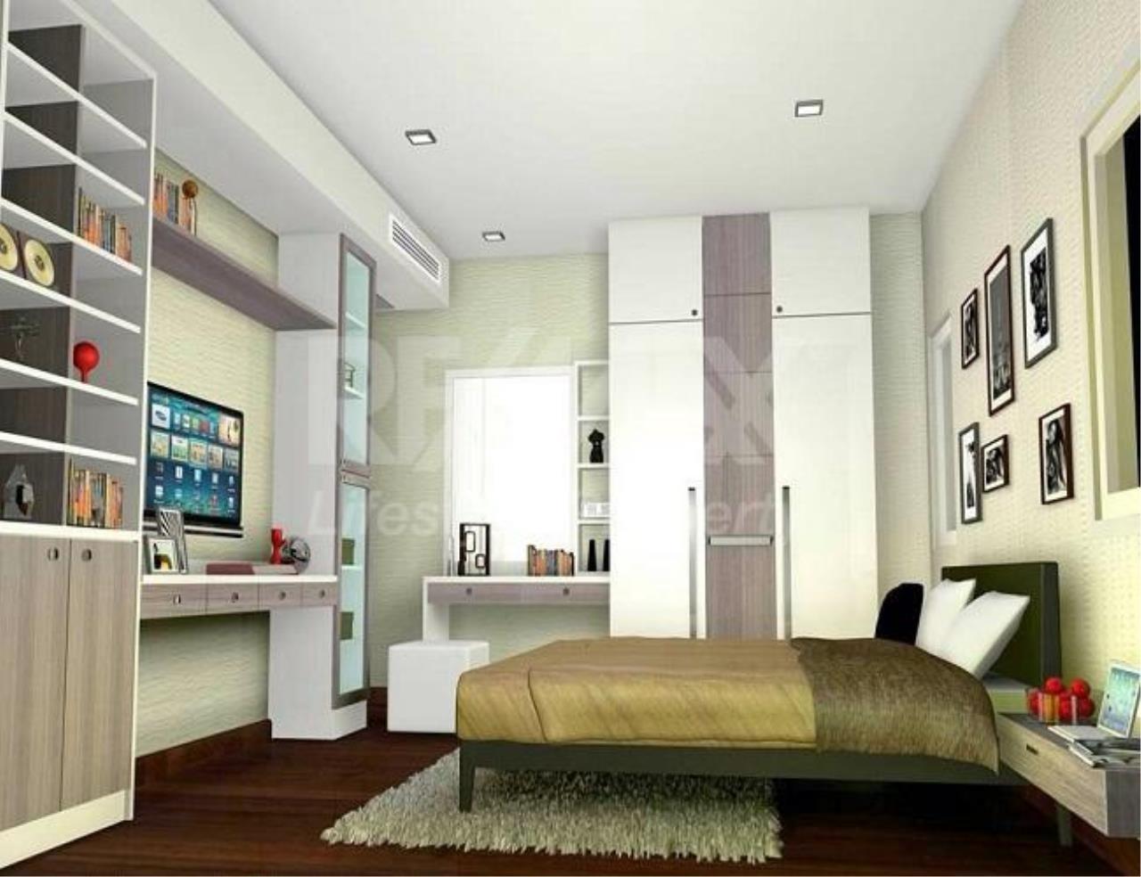 RE/MAX LifeStyle Property Agency's Supalai Lite Sathorn - Charoenrat 9