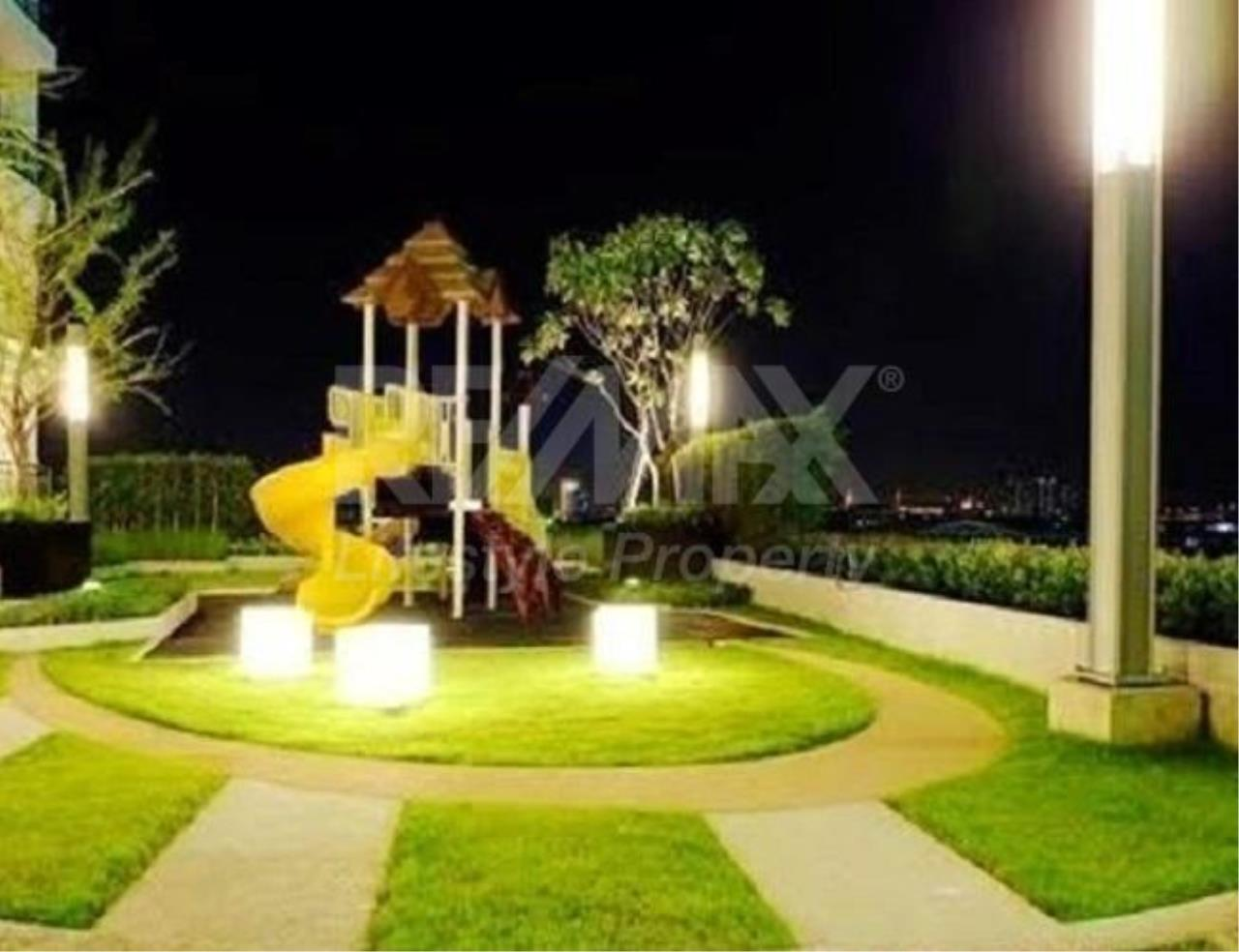 RE/MAX LifeStyle Property Agency's Supalai Lite Sathorn - Charoenrat 7
