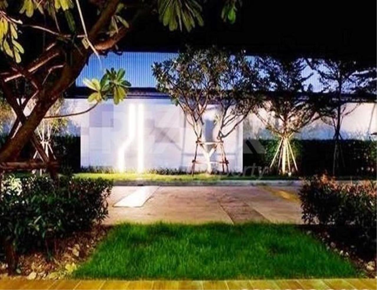 RE/MAX LifeStyle Property Agency's Supalai Lite Sathorn - Charoenrat 5