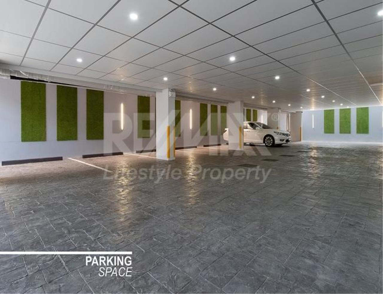 RE/MAX LifeStyle Property Agency's Aashiana Sukhumvit 26 1