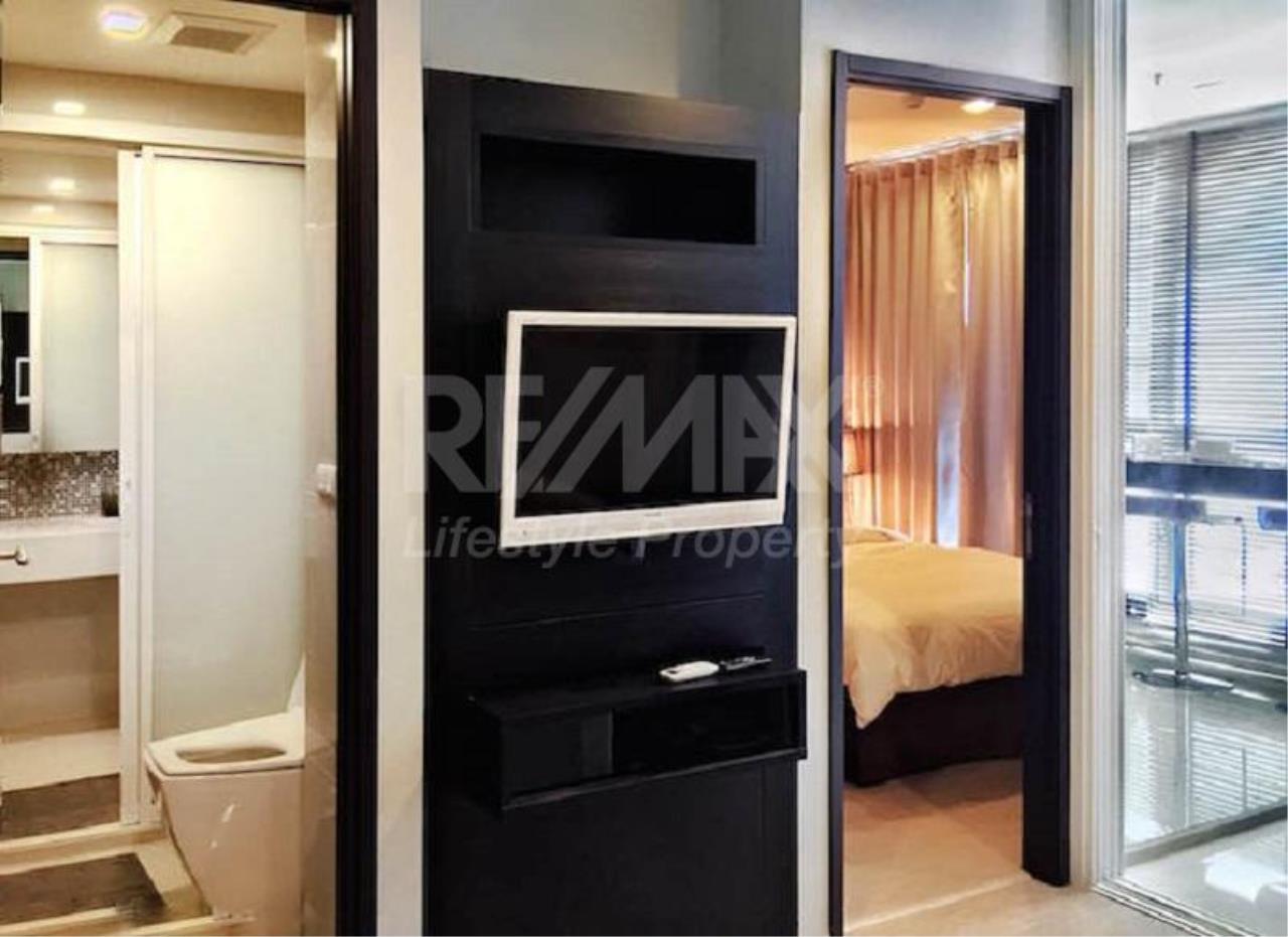 RE/MAX LifeStyle Property Agency's Rhythm Sukhumvit 44/1 11