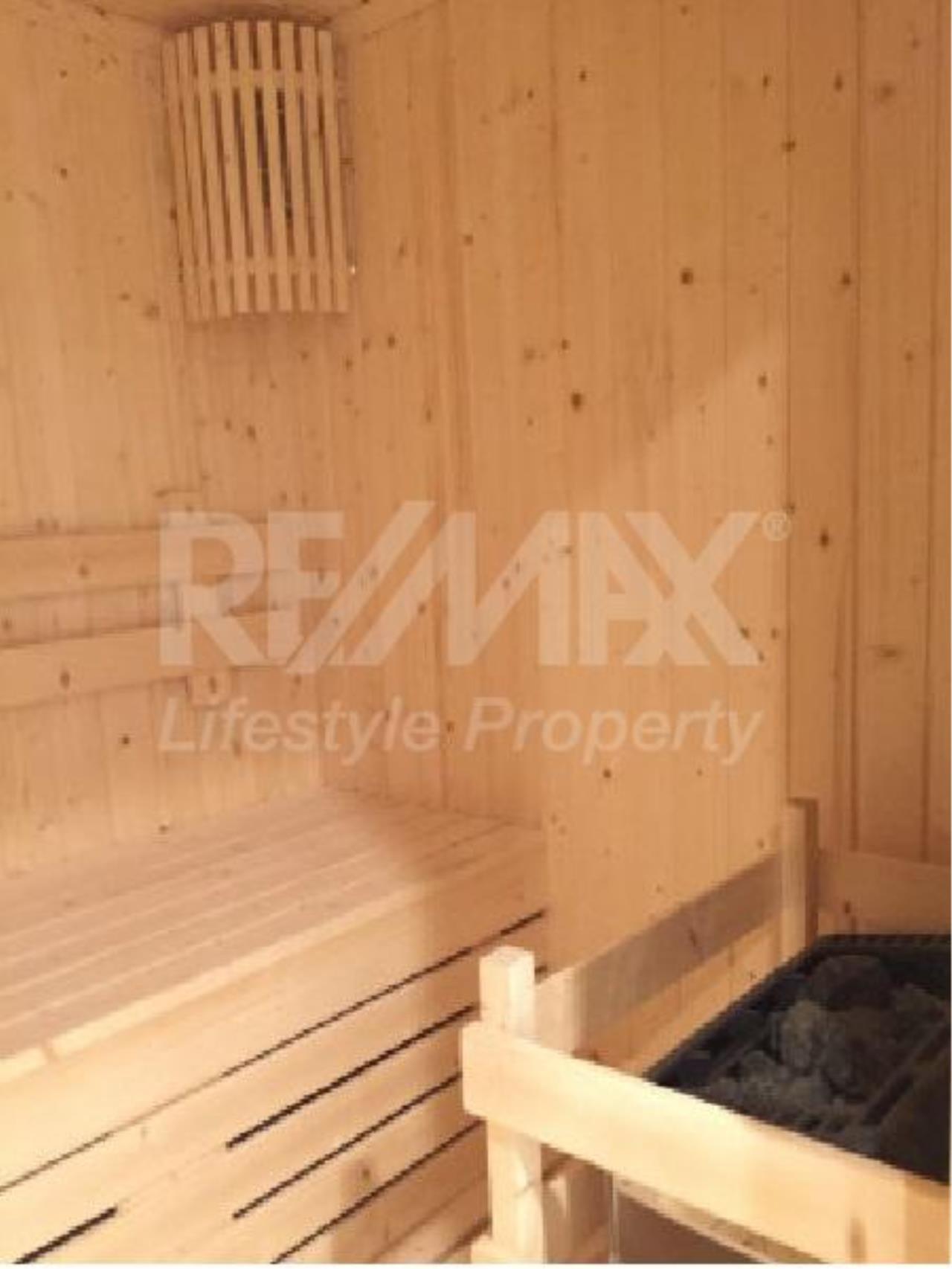 RE/MAX LifeStyle Property Agency's Azure Sukhumvit 39 1