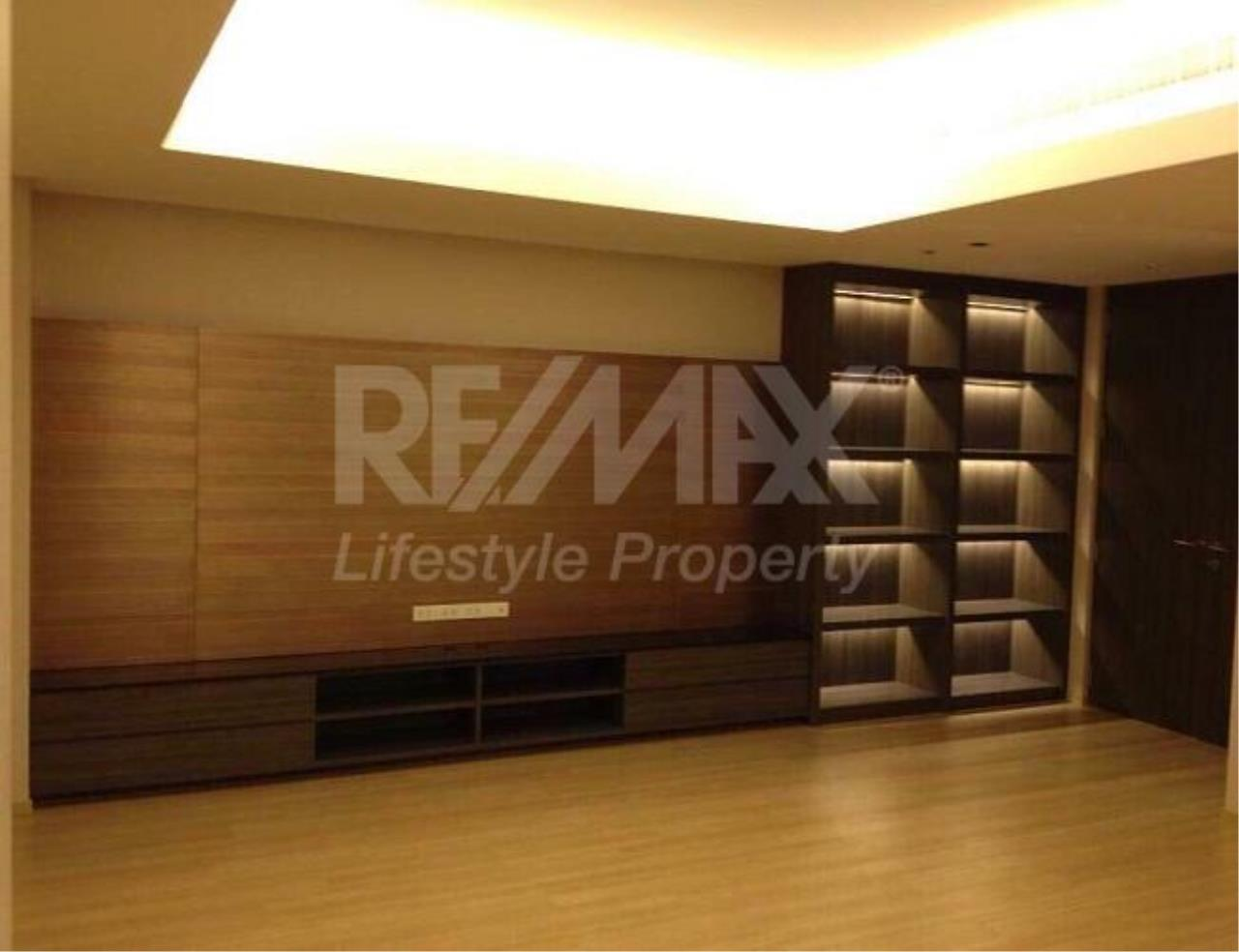 RE/MAX LifeStyle Property Agency's The Met 3
