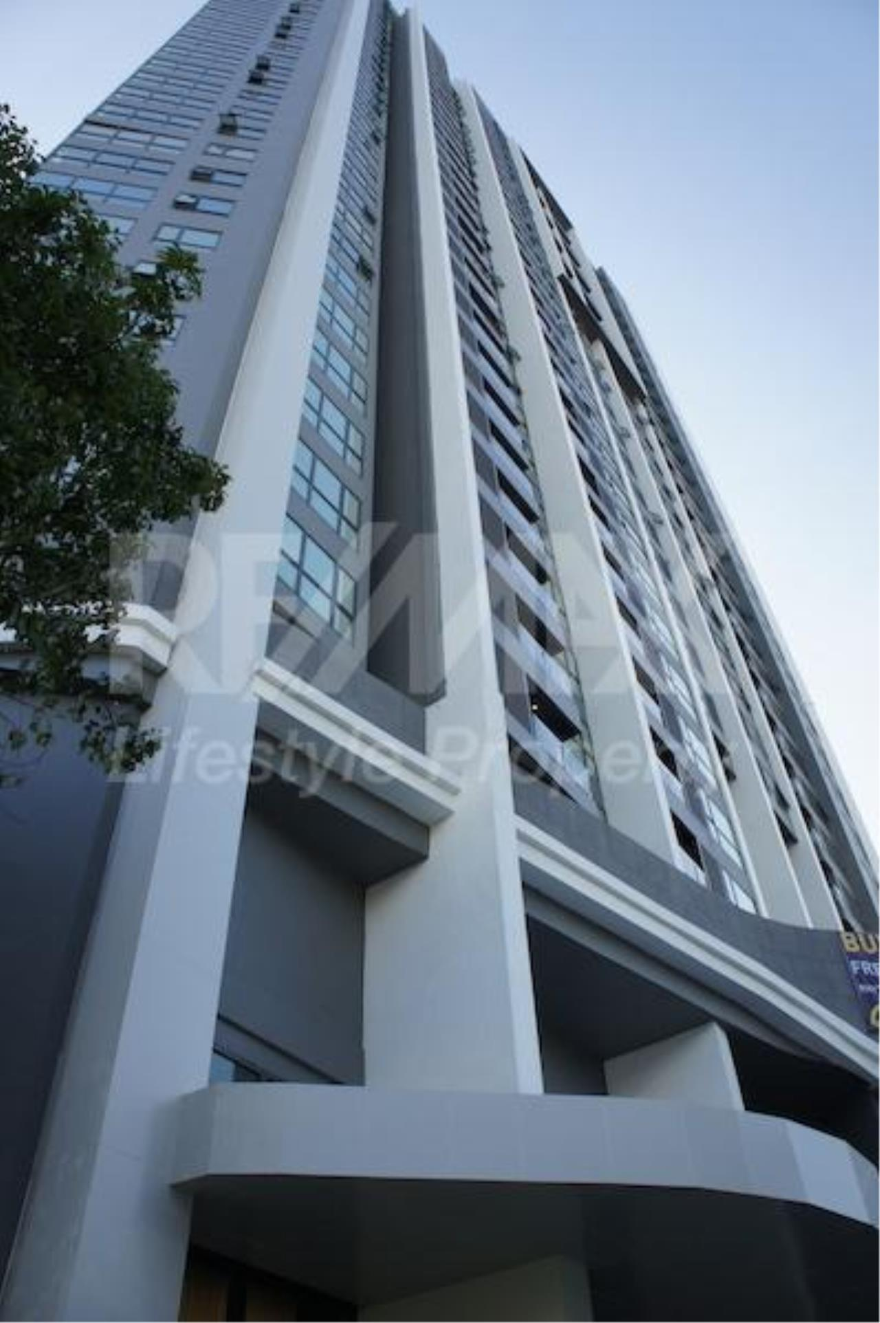 RE/MAX LifeStyle Property Agency's Rhythm Sukhumvit 44/1 11