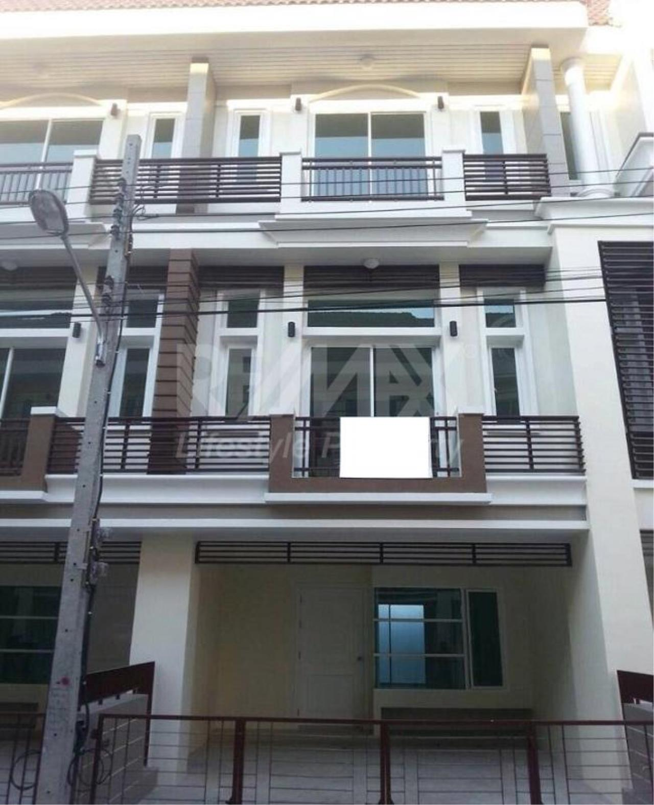 RE/MAX LifeStyle Property Agency's Town House Premium Place Nawamin – Ladprao 10 11