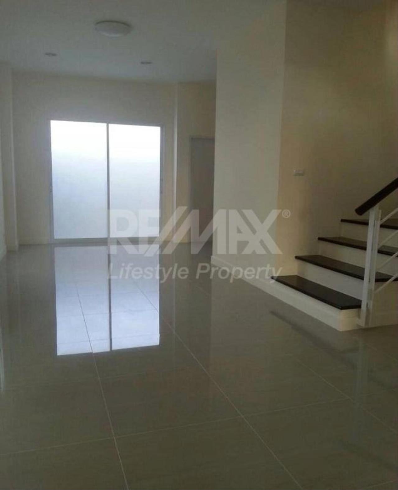 RE/MAX LifeStyle Property Agency's Town House Premium Place Nawamin – Ladprao 10 10