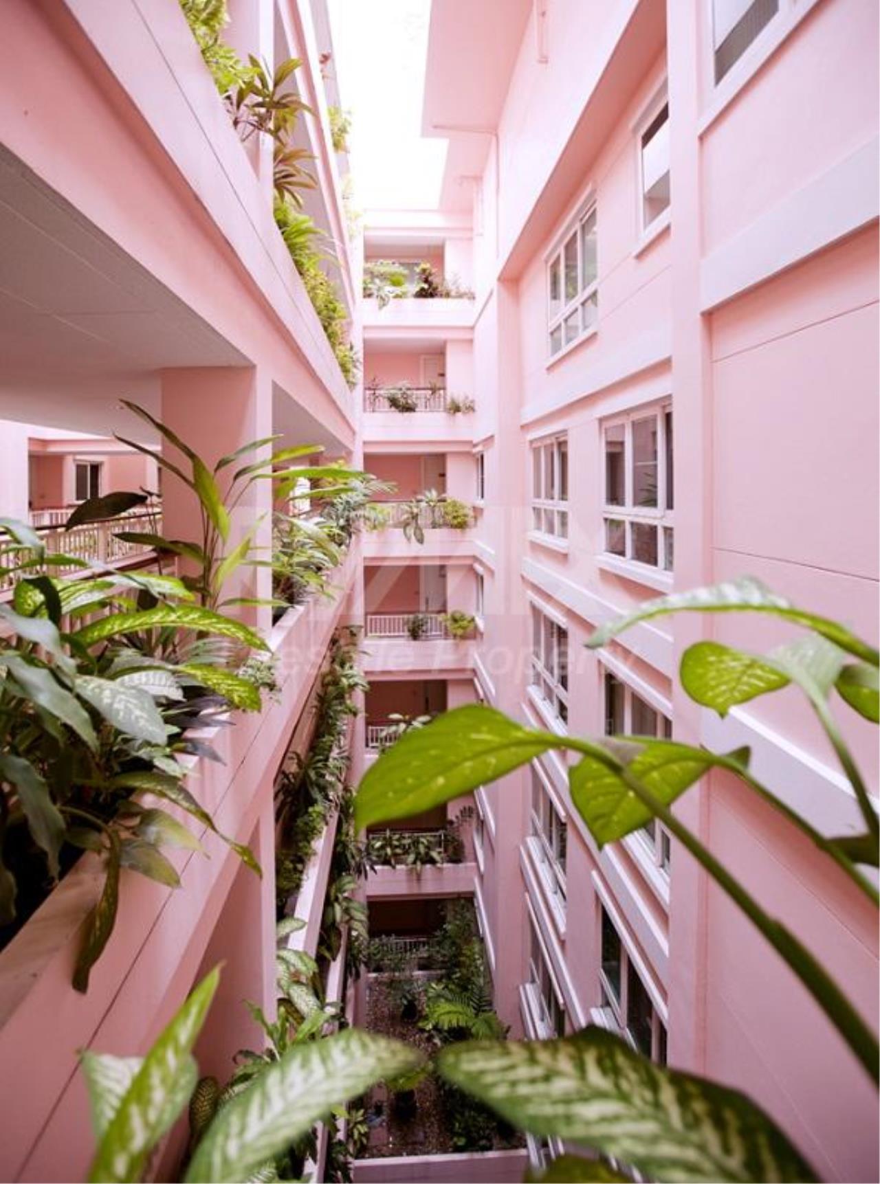 RE/MAX LifeStyle Property Agency's Baan Siri Sukhumvit 13 12