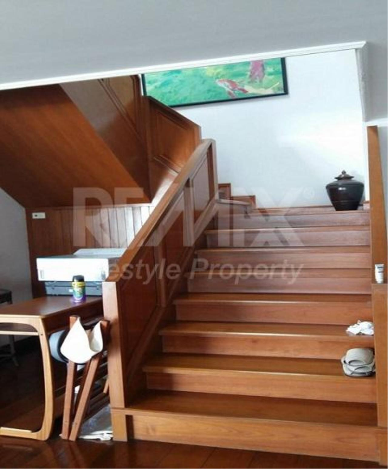 RE/MAX LifeStyle Property Agency's Le Raffine Sukhumvit 24 8