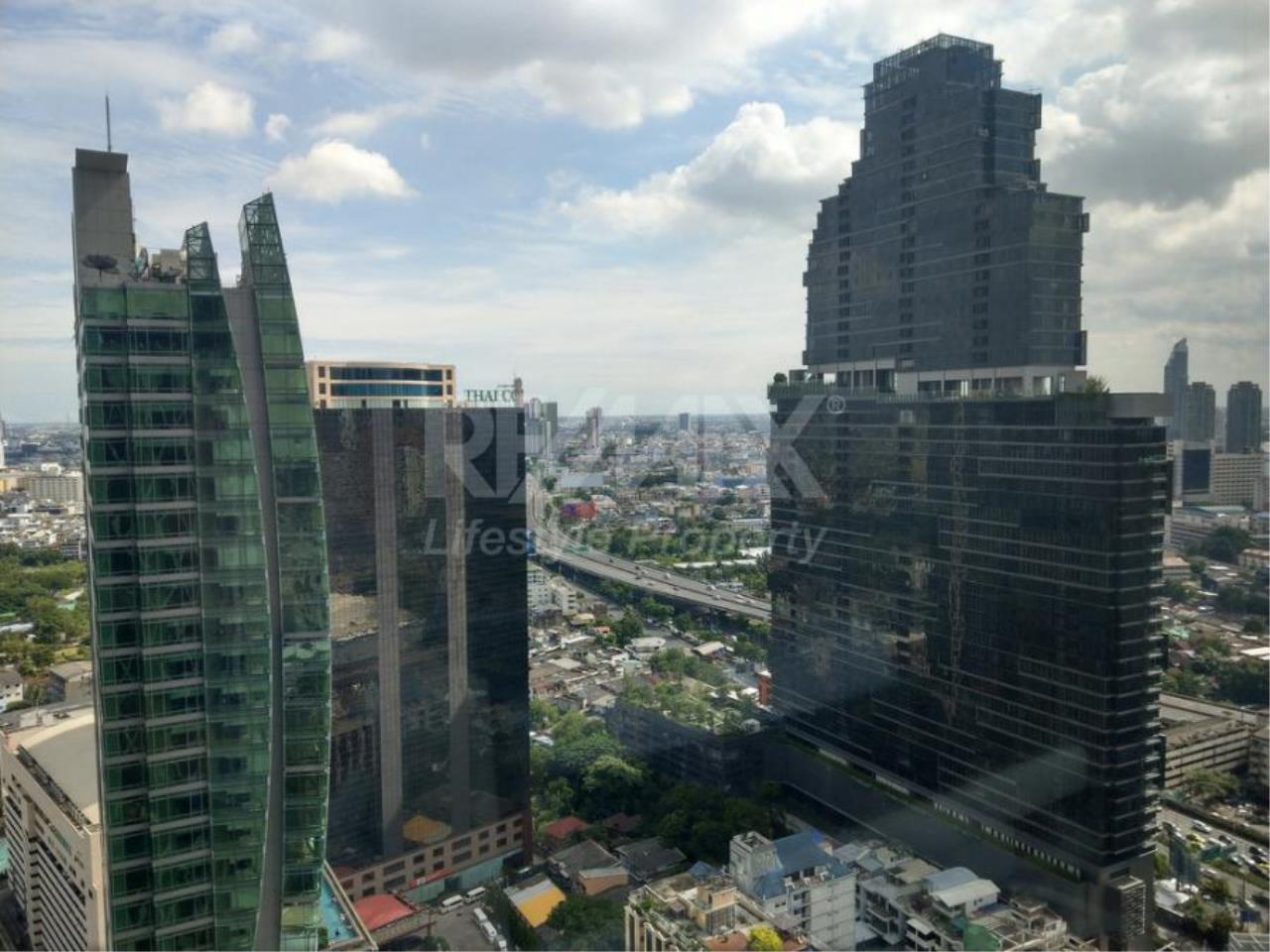 RE/MAX LifeStyle Property Agency's The Bangkok Sathon 10