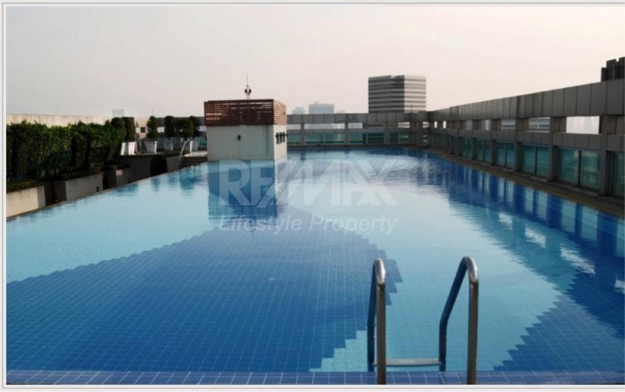 RE/MAX LifeStyle Property Agency's Baan Klang Krung Siam-Pathumwan 16