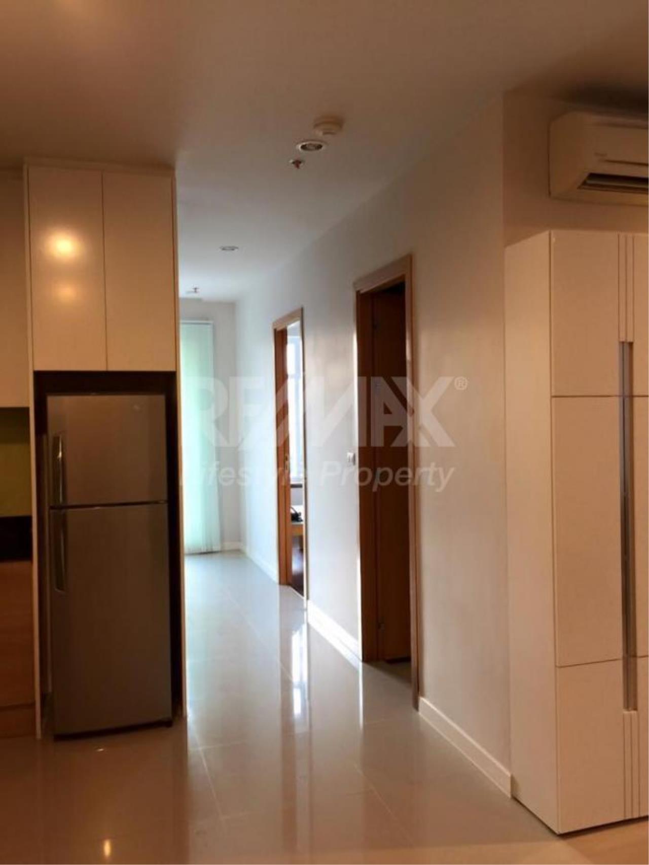 RE/MAX LifeStyle Property Agency's Circle Condominium 7