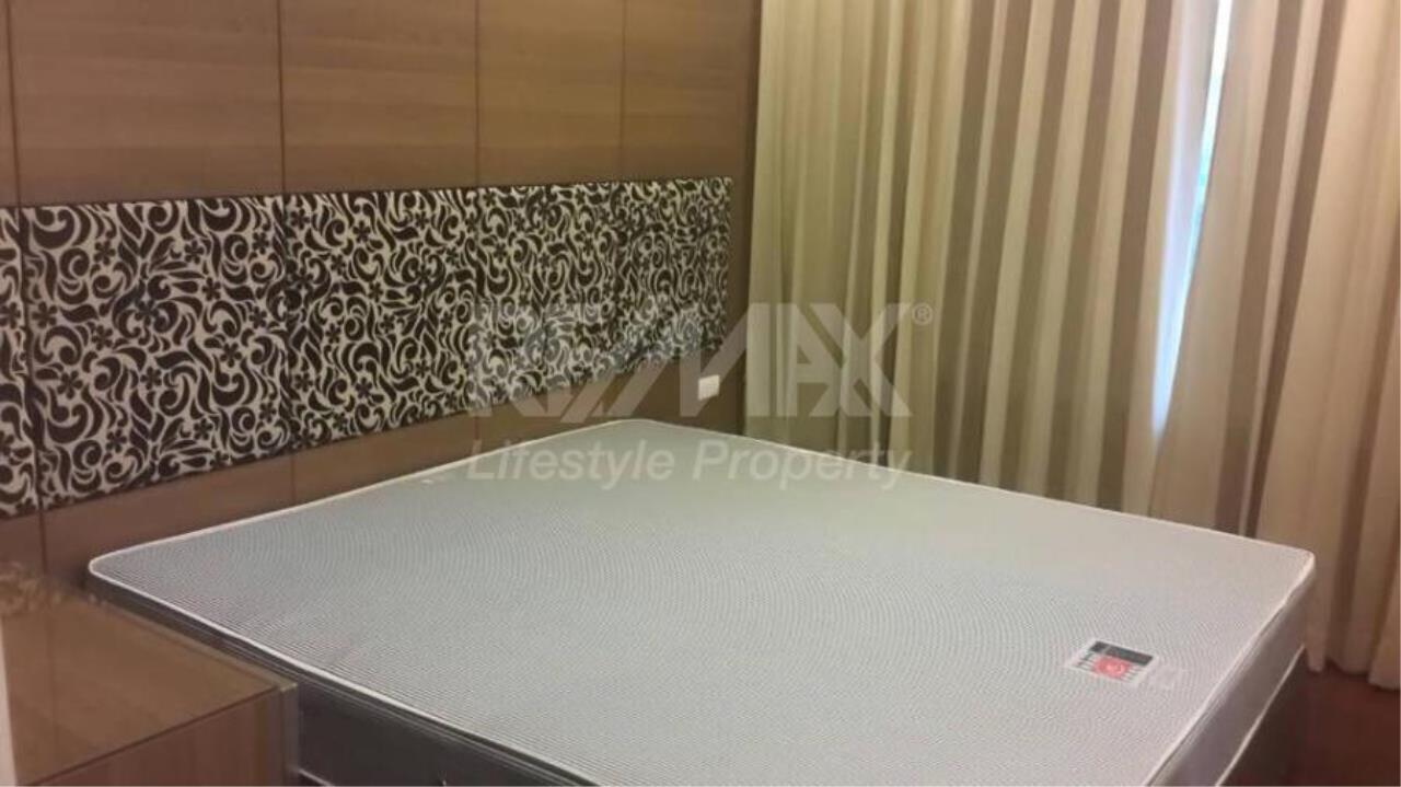 RE/MAX LifeStyle Property Agency's Circle Condominium 3
