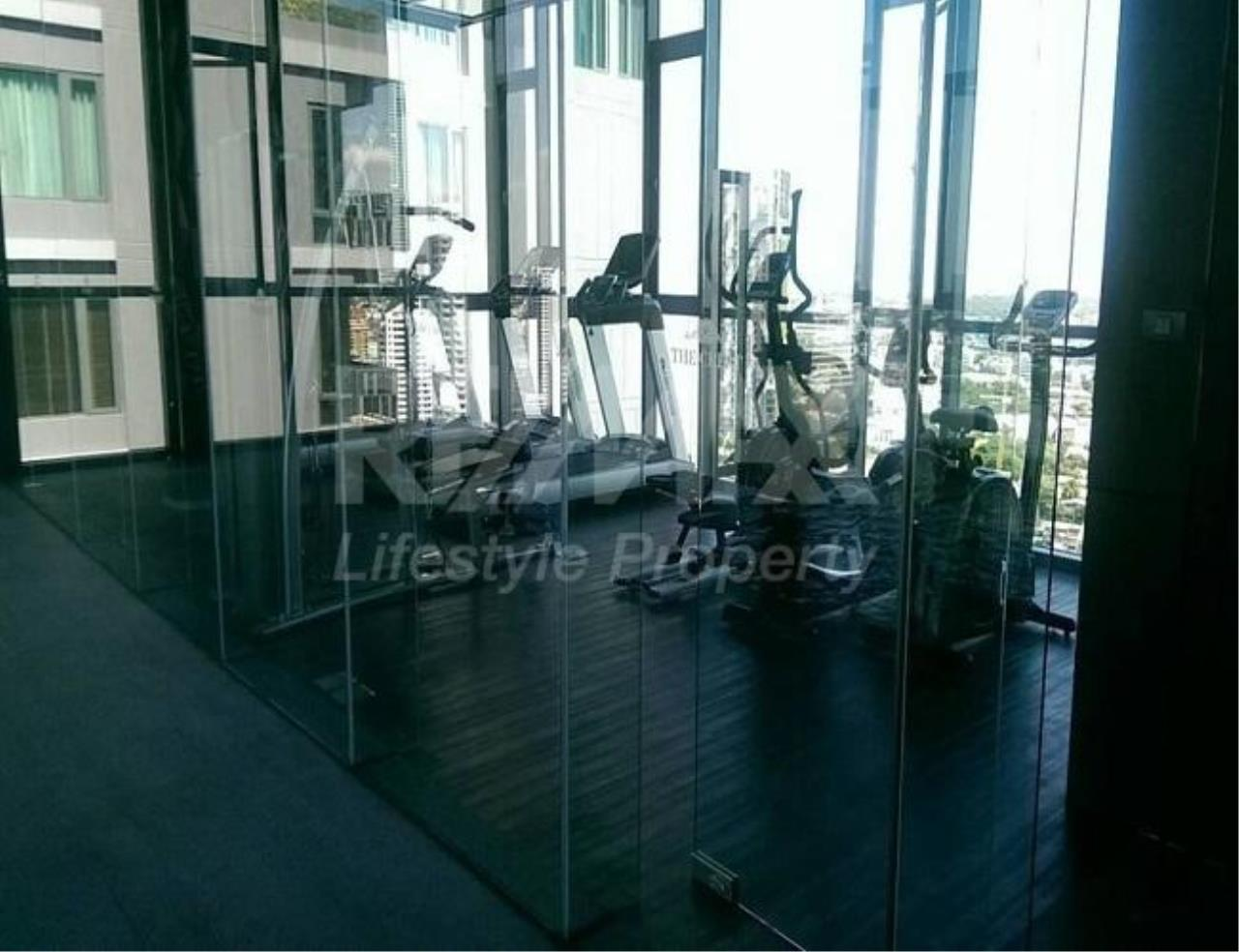 RE/MAX LifeStyle Property Agency's The Crest Sukhumvit 34 10