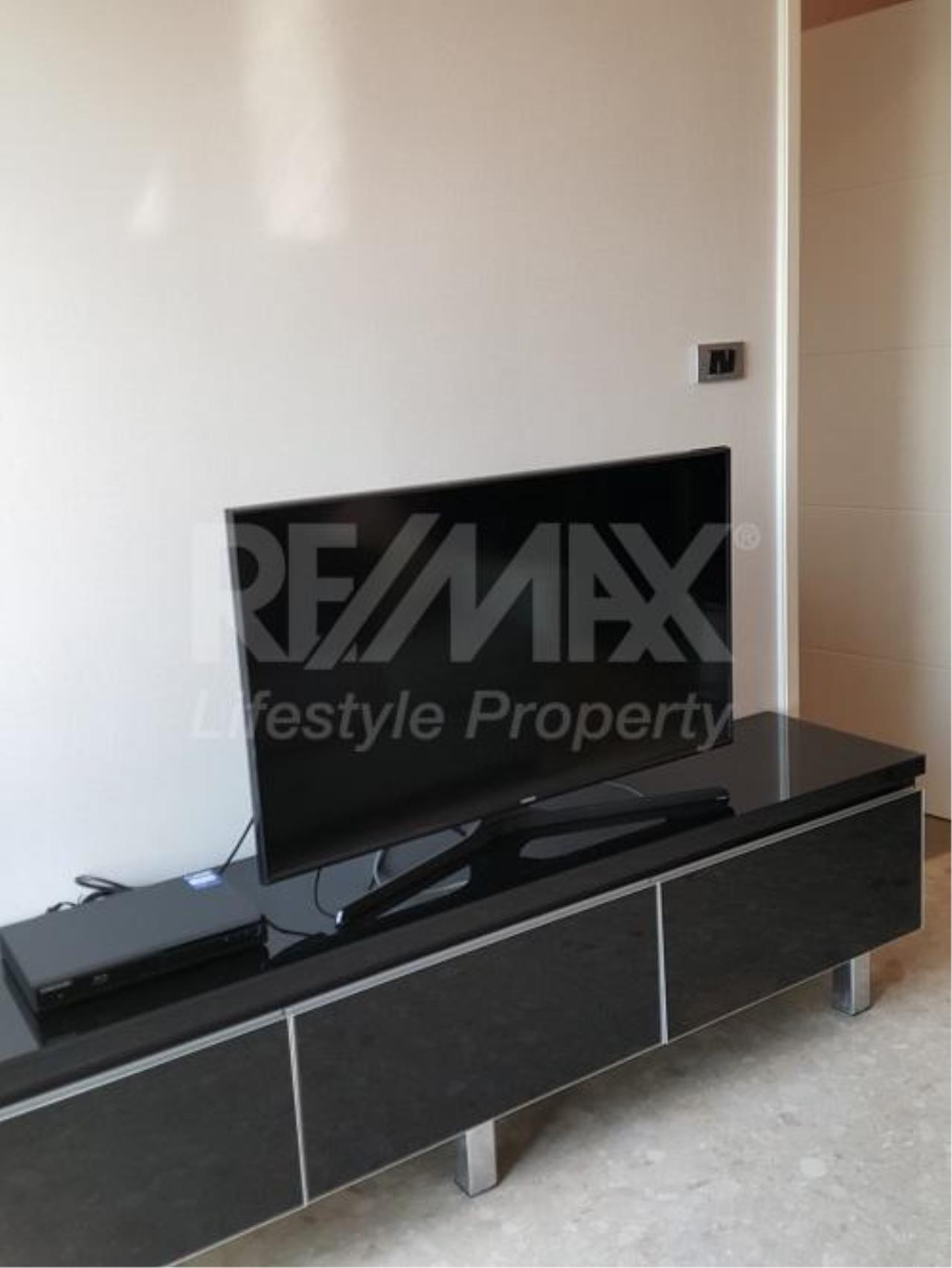 RE/MAX LifeStyle Property Agency's The Crest Sukhumvit 34 3