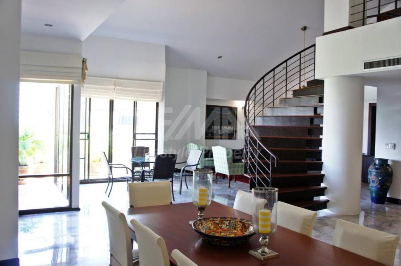 RE/MAX LifeStyle Property Agency's Raintree Village Apartment 2