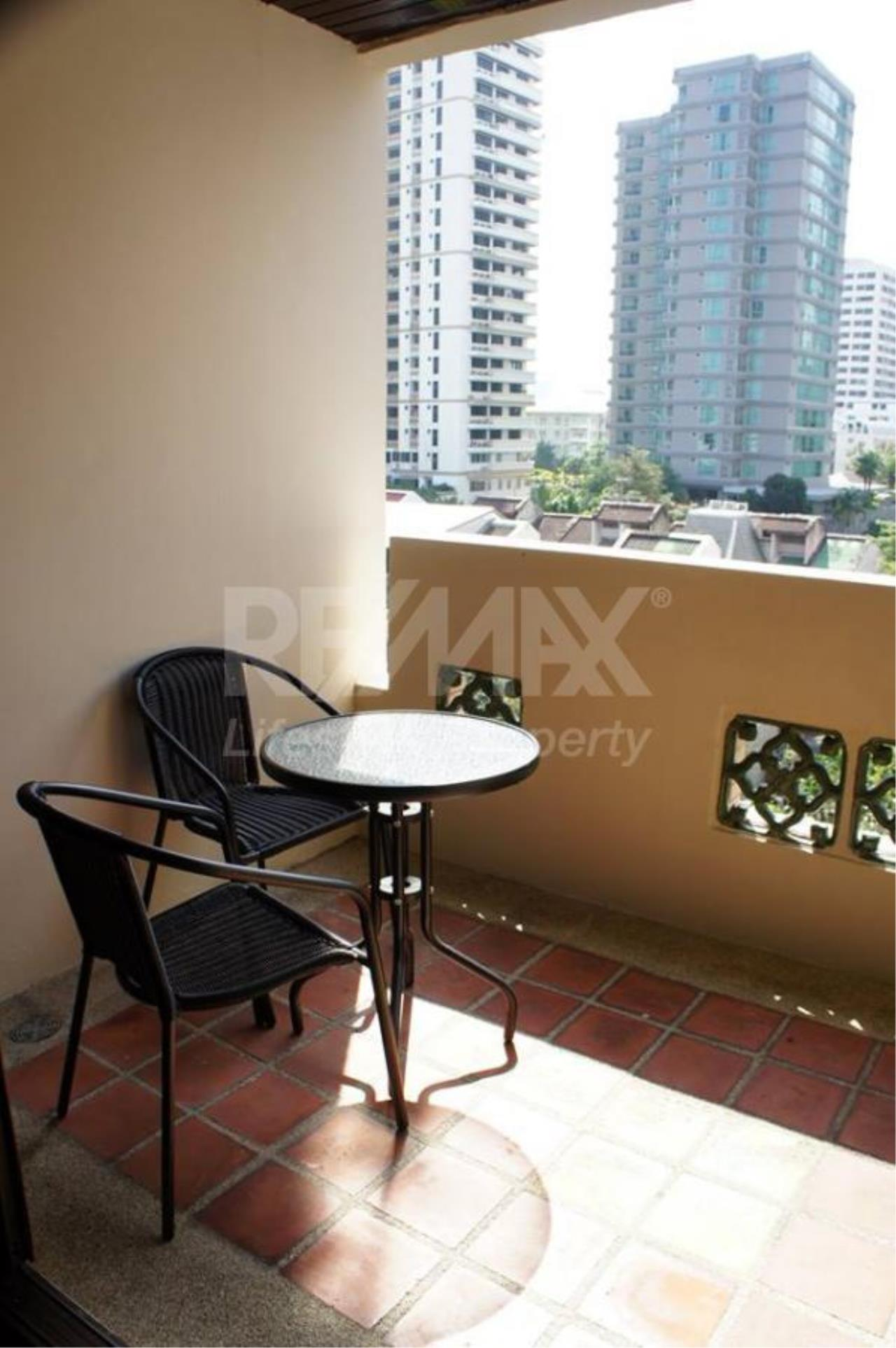 RE/MAX LifeStyle Property Agency's Raintree Village Apartment 18