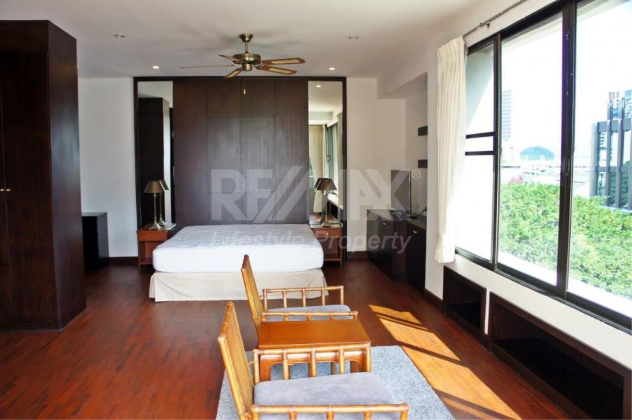 RE/MAX LifeStyle Property Agency's Raintree Village Apartment 12