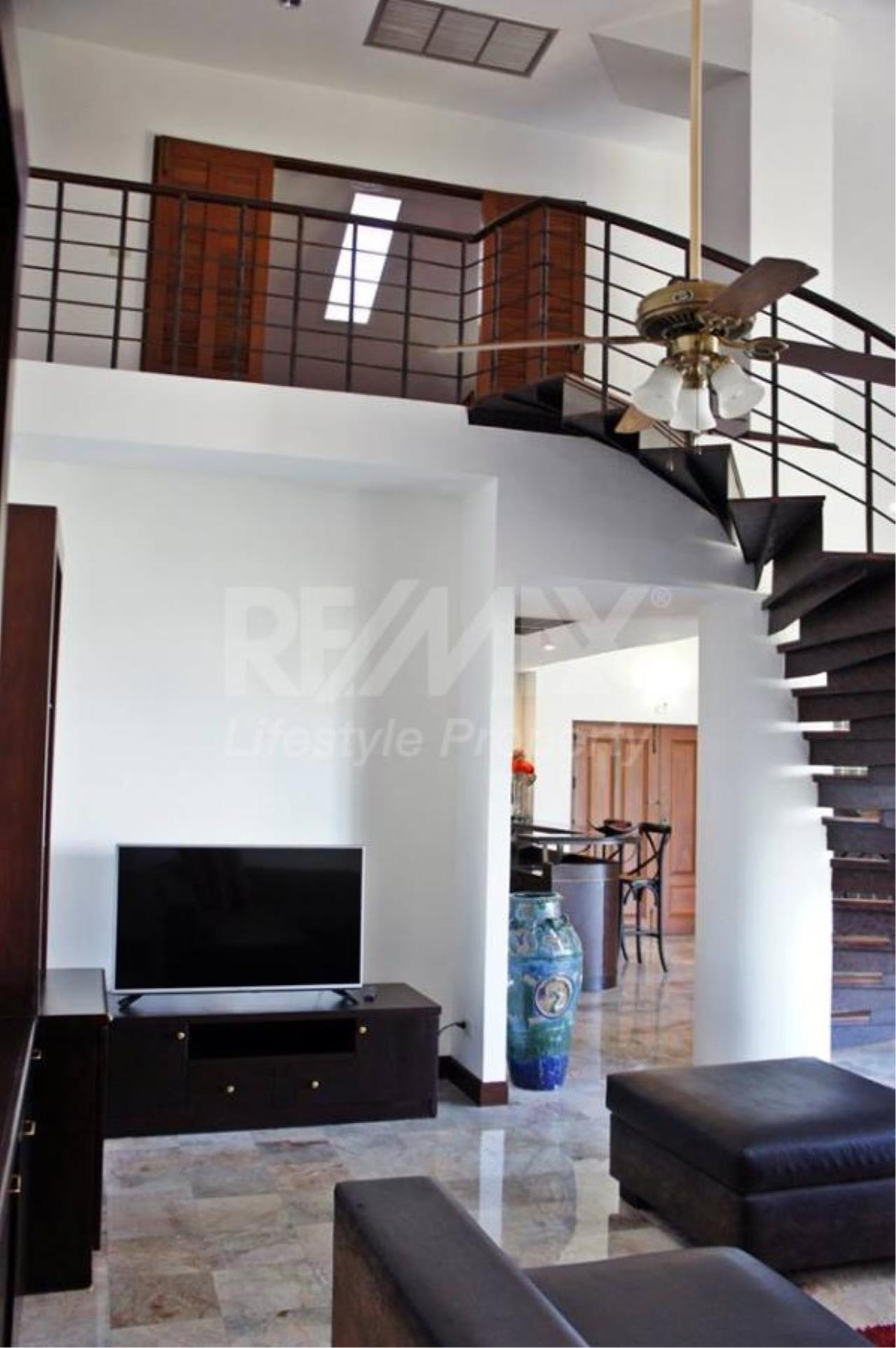RE/MAX LifeStyle Property Agency's Raintree Village Apartment 8