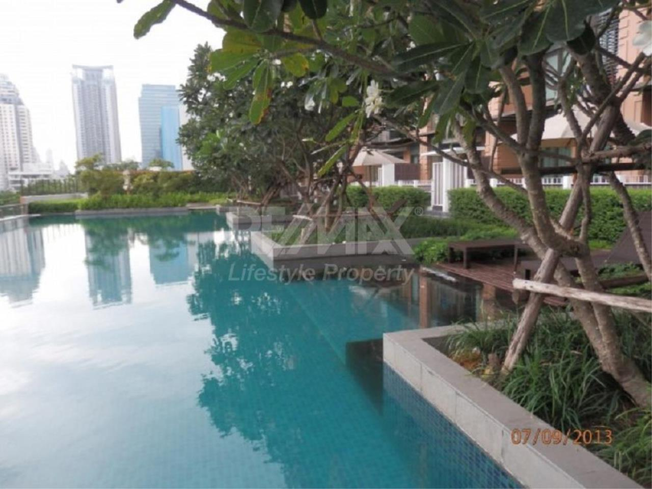 RE/MAX LifeStyle Property Agency's Villa Asoke 9