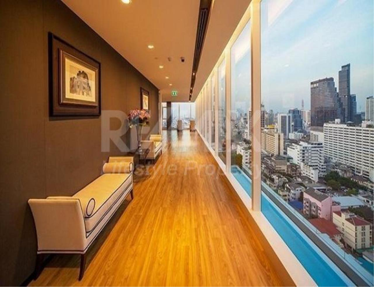 RE/MAX LifeStyle Property Agency's The room Sathorn-TanonPun 4